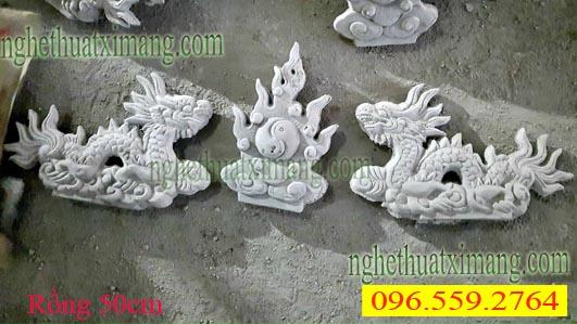 Rồng chầu mặt nguyệt trên mái lăng mộ