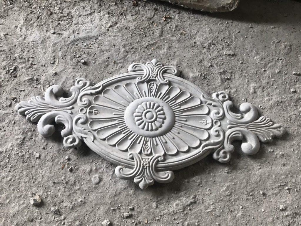 Mẫu mâm trần xi măng cho trang trí mặt tiền